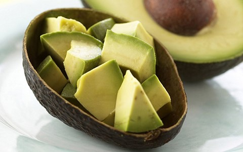 Cách trị rạn da đơn giản bằng chế độ ăn uống